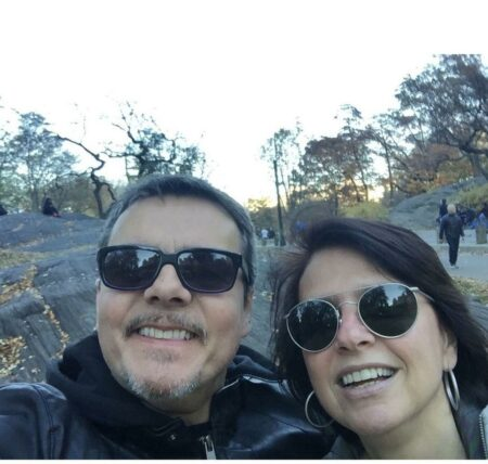 O famoso ator da Globo, Cassio Gabus Mendes surpreendeu ao fazer rara declaração para esposa Lídia Brondi nas redes sociais (Foto: reprodução)