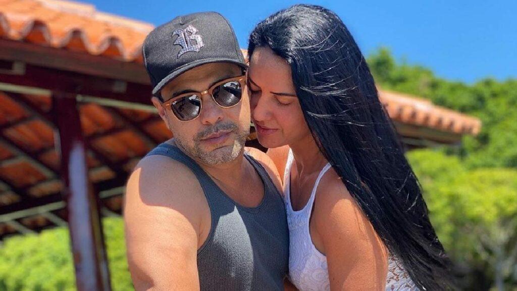 Graciele Lacerda, noiva de Zezé Di Camargo, expõe corpaço em roupa coladinha (Foto: reprodução)