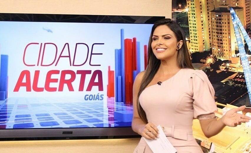 Silvye Alves apresenta o Cidade Alerta Goiás (Reprodução/Instagram)