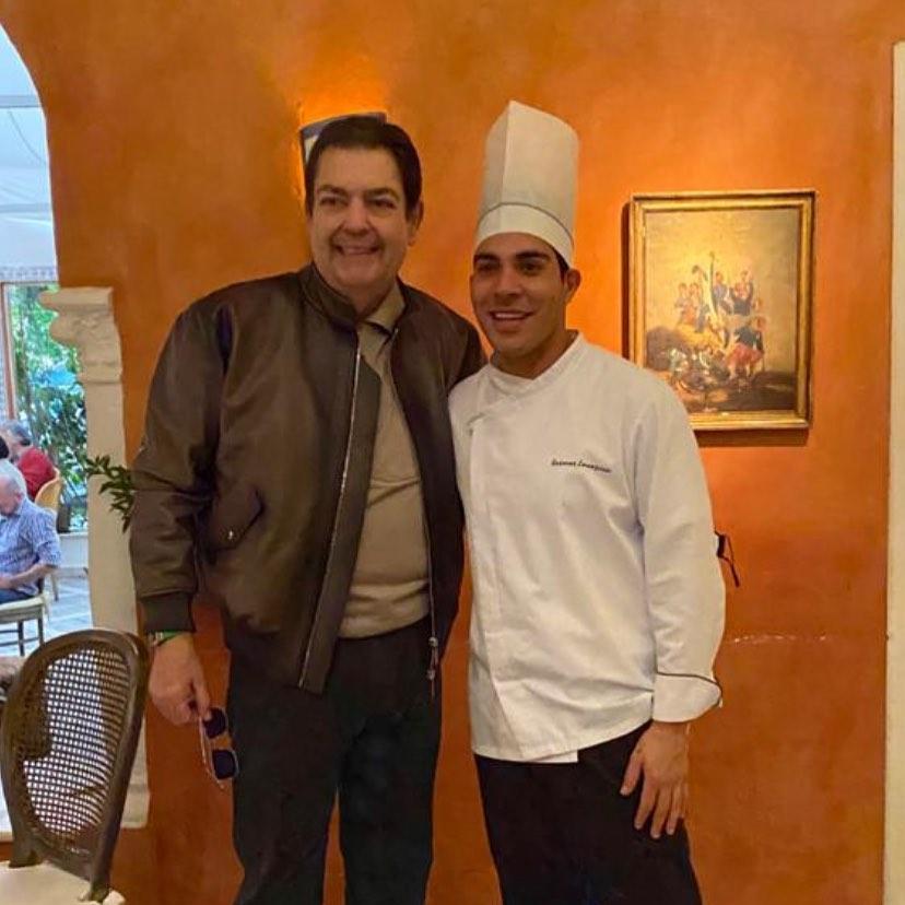 Longe das telinhas, Faustão reaparece em restaurante em SP (Reprodução/Instagram)