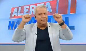 Sikêra Jr. alfineta imprensa e nega notícia de demissão da RedeTV!