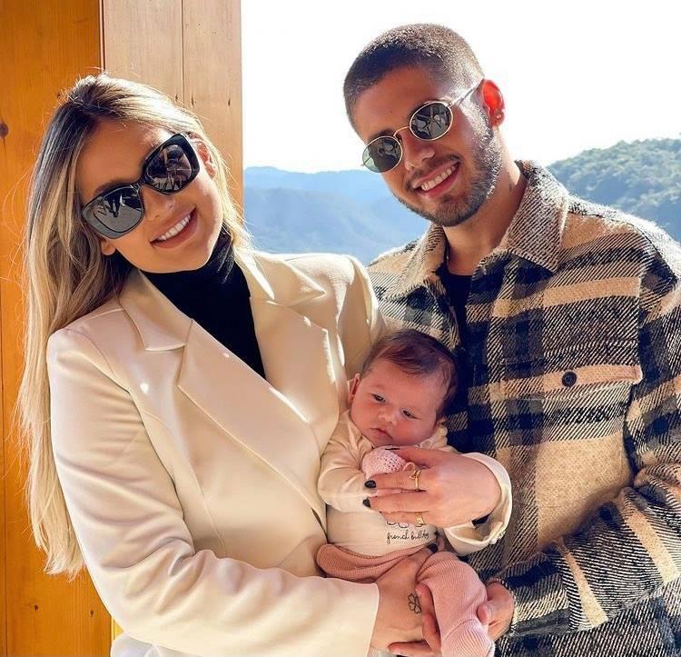 Zé Felipe conta que engravidou Virgínia Fonseca em três minutos: 'Igual galo'