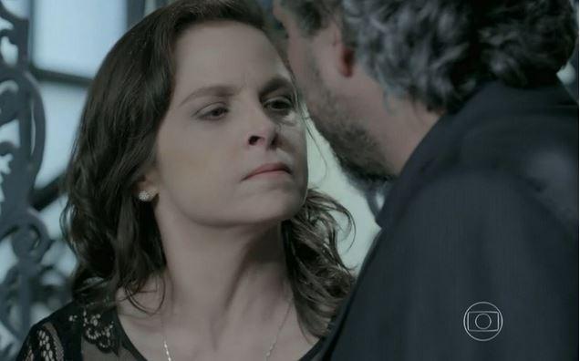 Cora (Drica Moraes) enganará José Alfredo (Alexandre Nero), em Império (Reprodução/Globo)