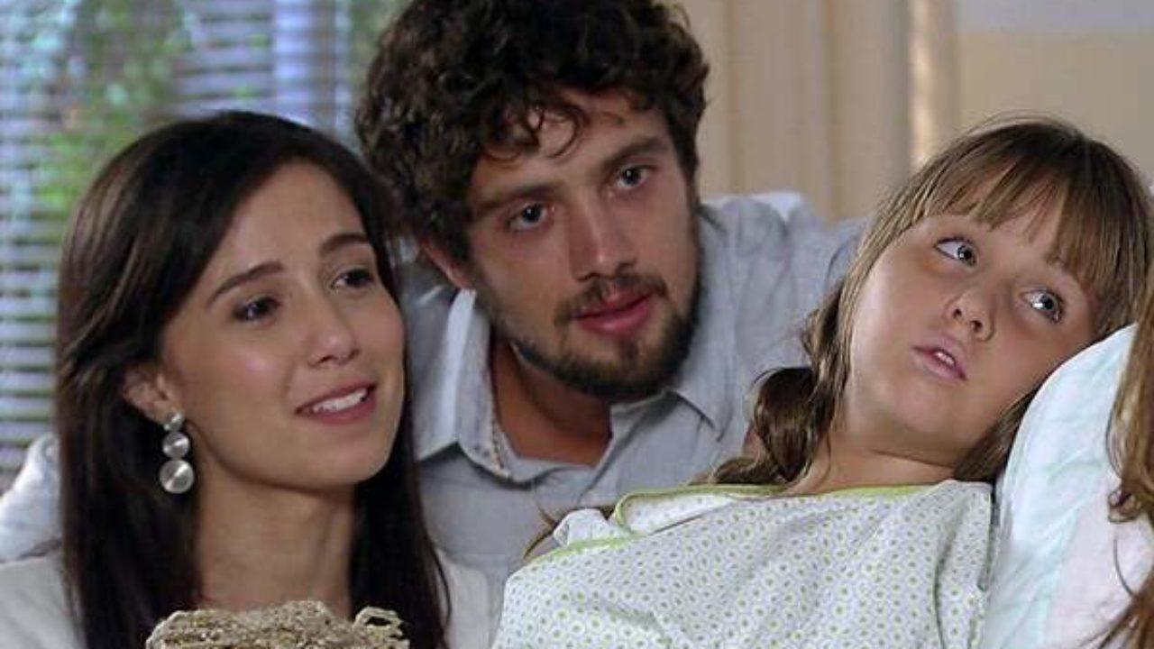 Manuela salvará a vida de Júlia na trama das seis da Globo (Foto: Reprodução)