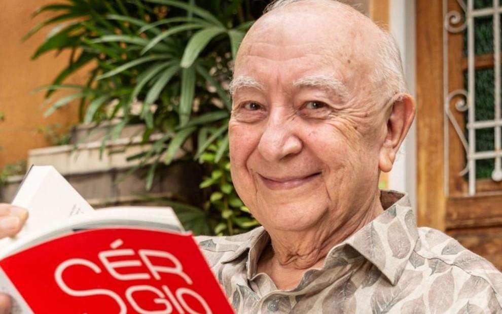 O famoso ex-ator da Globo, Sérgio Mamberti (Foto: Reprodução/Instagram)