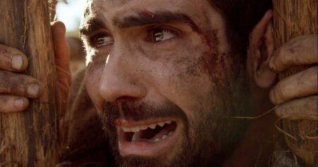 Gênesis: José é humilhado por acreditar em Deus vai aos prantos com atitude de Issad (Reprodução/Record)