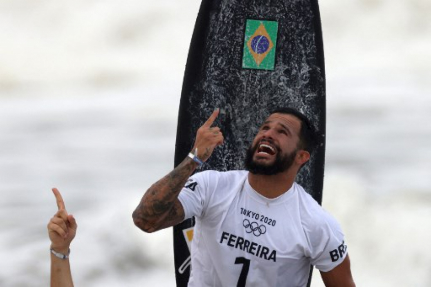 Italo Ferreira desabafa sobre momento de tensão após ameaça de bomba (Foto: Reprodução/Lance)
