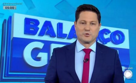 Eleandro Passaia estreou no Balanço Geral Manhã nesta segunda-feira (Foto: Reprodução/Record)