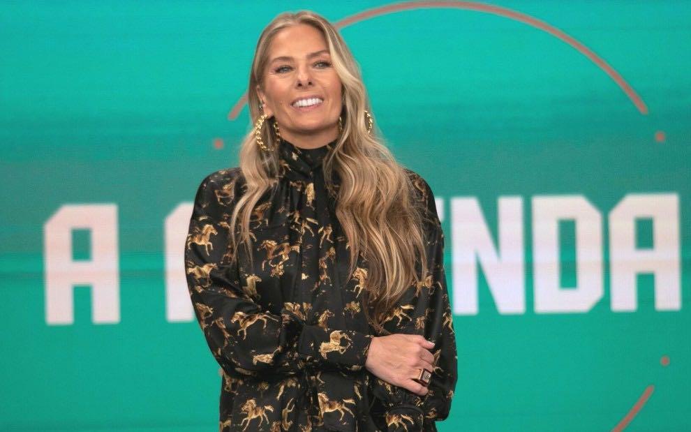 Sonia Abrão detona Adriane Galisteu após estreia de A Fazenda 13 (Reprodução)