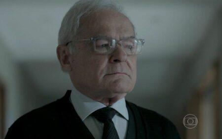 Silviano coloca segredo de Marta em perigo acaba sendo menosprezado na trama da Globo (Foto: Reprodução)