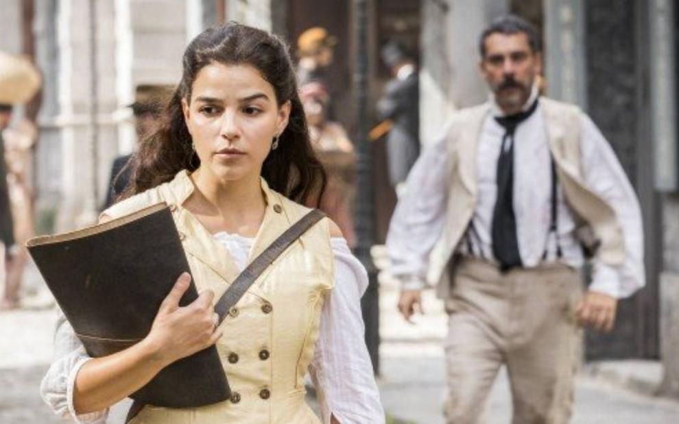 Nos Tempos do Imperador: Pilar surpreende, engole orgulho e pede Tonico em casamento (Reprodução/Globo)