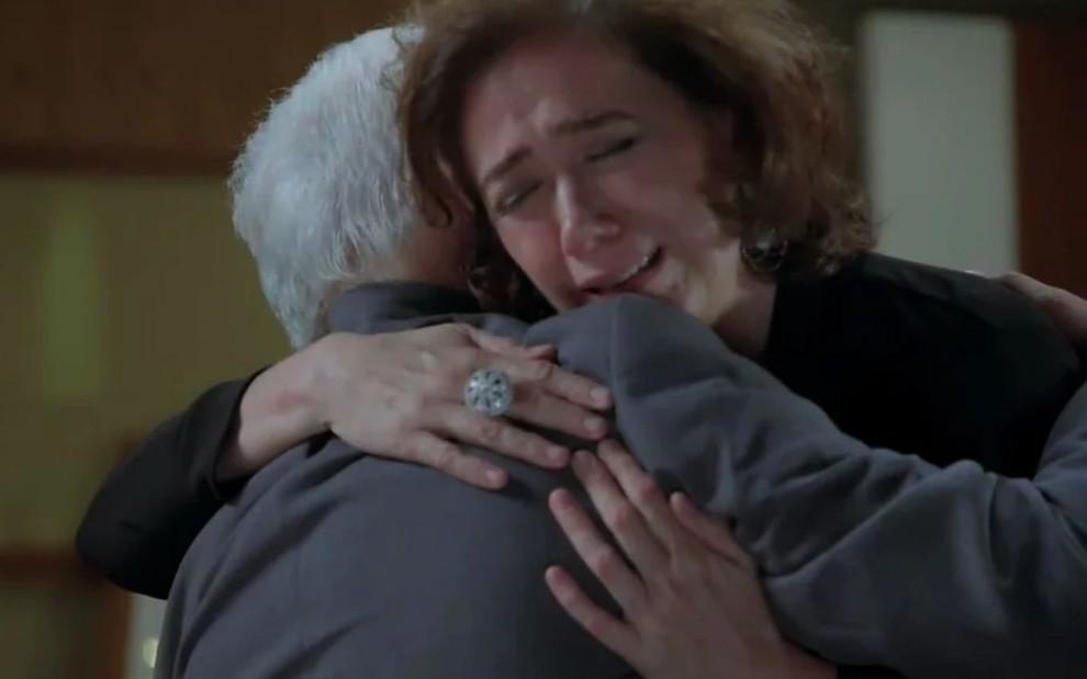 Segredo do passado de Maria Marta e Silviano vem à tona na trama da Globo (Reprodução/Globo)