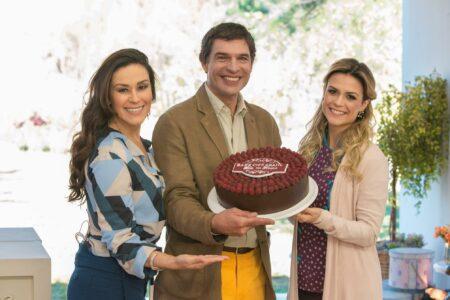 Audiências 16/10/2021: Bake Off Brasil segura o SBT, Jornal da Record vai bem e Carnaval derruba Globo (Foto: Reprodução)