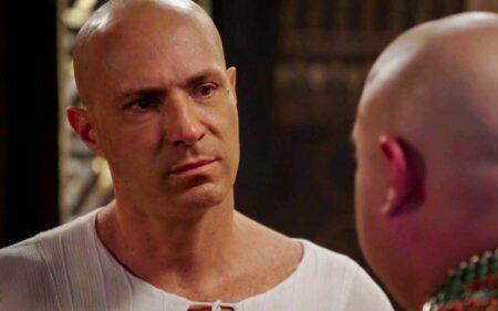 Fim de Gênesis: Sheshi se assusta ao ficar cara a cara com Apepi: 'Kamesha?'